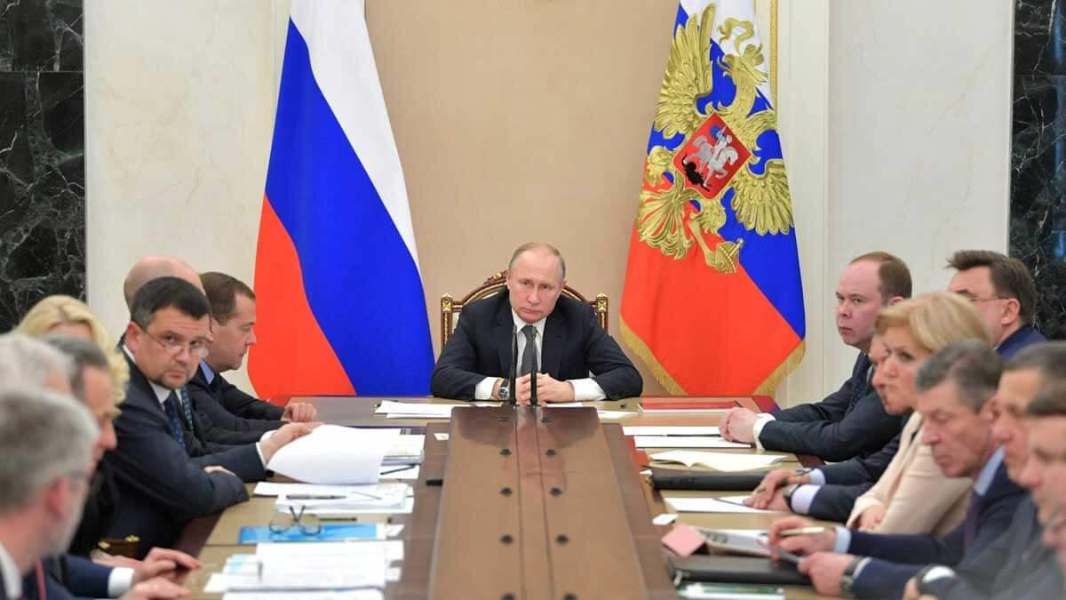 Совещание Путина с членами правительства