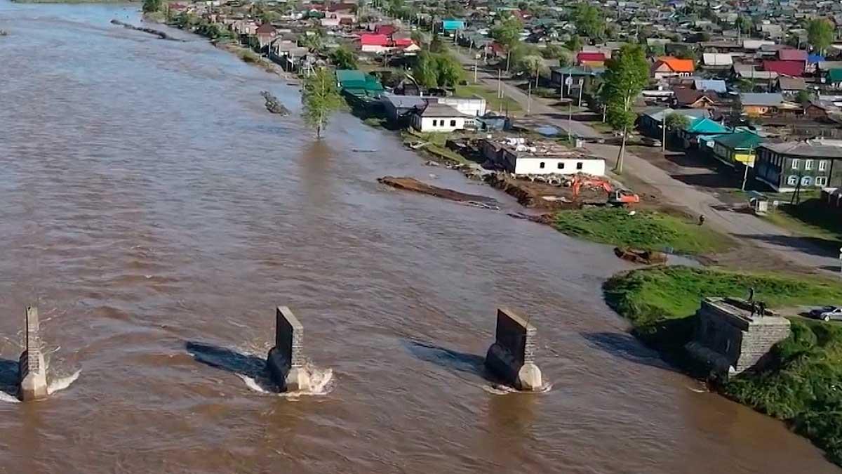 В городе Тулуне уровень воды в реке Ие поднялся