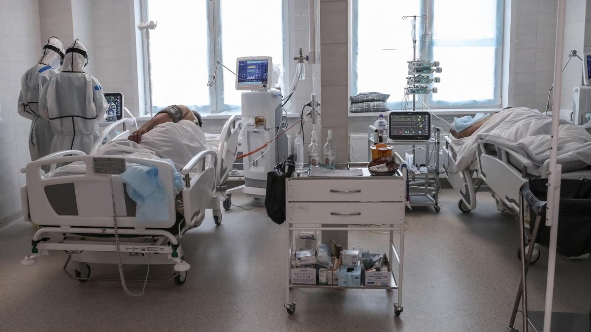 больные коронавирусом палата