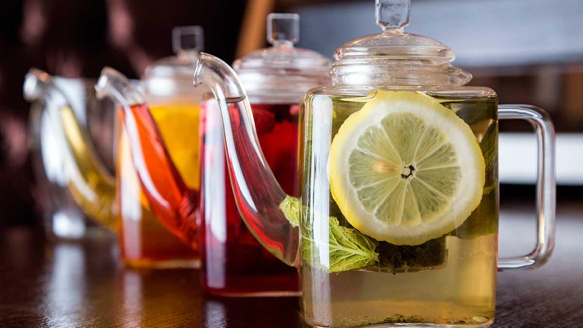 чайники с чаем лимон разноцветные