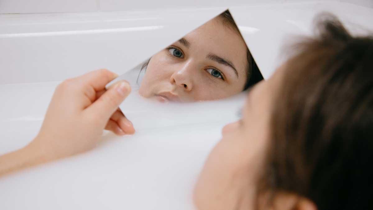 девушка в ванной