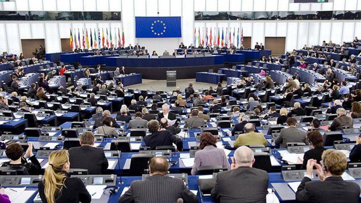 пленарное заседание европарламента