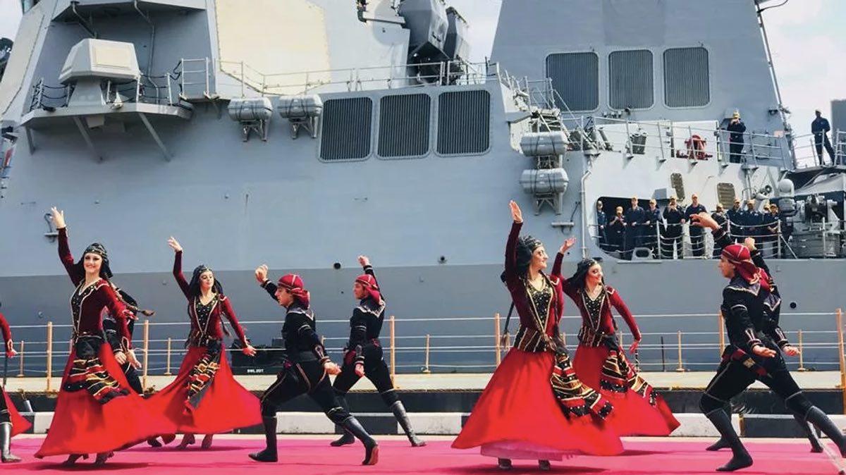 грузия эсминец танцы