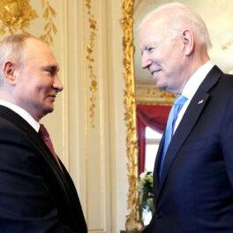 СМИ: Байден опасается вводить санкции против Путина и его окружения