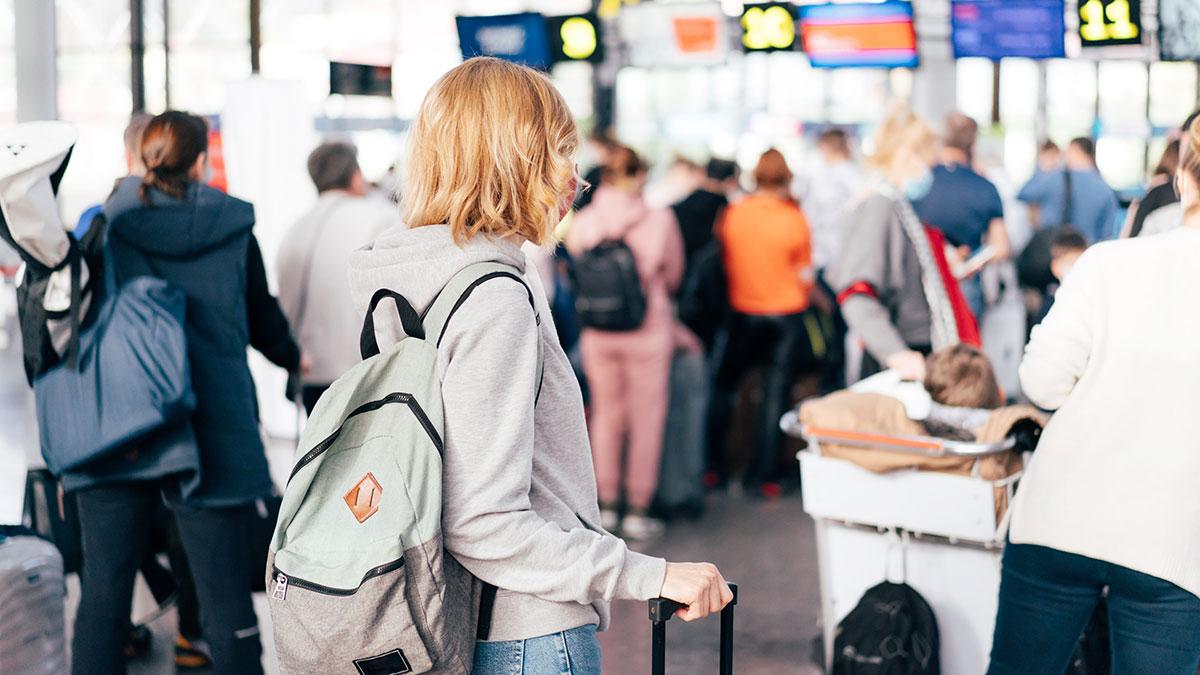 пункт досмотра в аэропорту безопасность очередь пассажиры