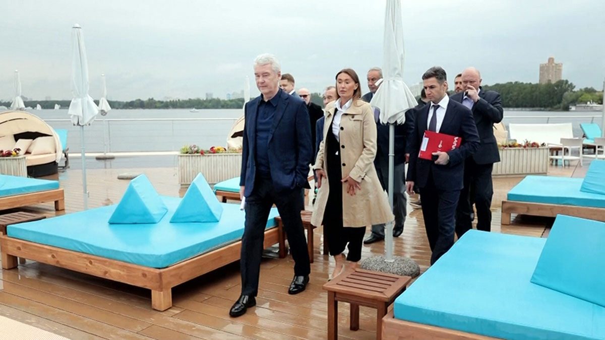 Сергей Собянин открыл пляж с подогреваемыми бассейнами