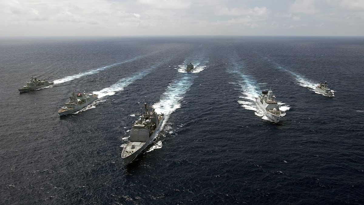 учения крупной военно-морской группировки НАТО