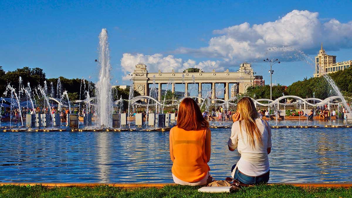 жара Москва Парк Горького фонтан