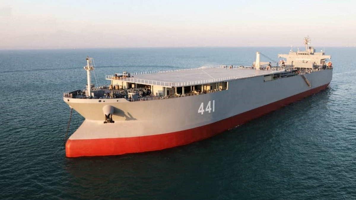 Корабль снабжения военно-морских сил Ирана Макран