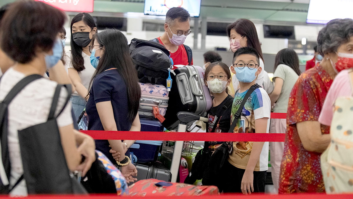 Источником новой вспышки COVID-19 в Китае назвали рейс из России