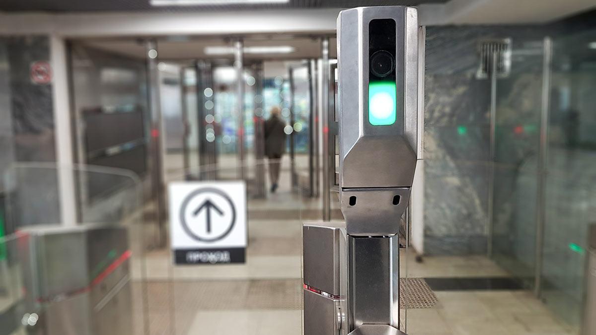 Турникеты метро оборудованные камерами