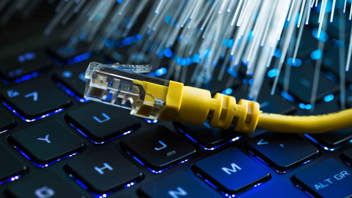 интернет кабель оптоволокно