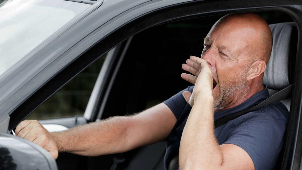Уставший водитель