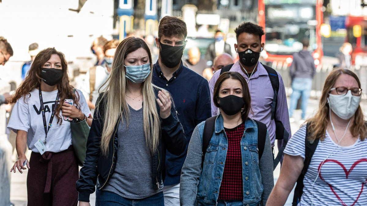 Великобритания коронавирус маски
