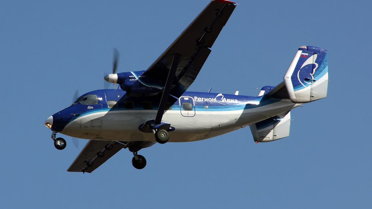 АН-28 самолет