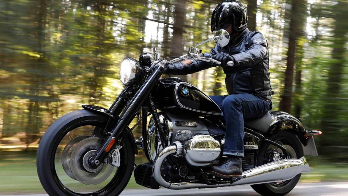 Мотоцикл BMW R18