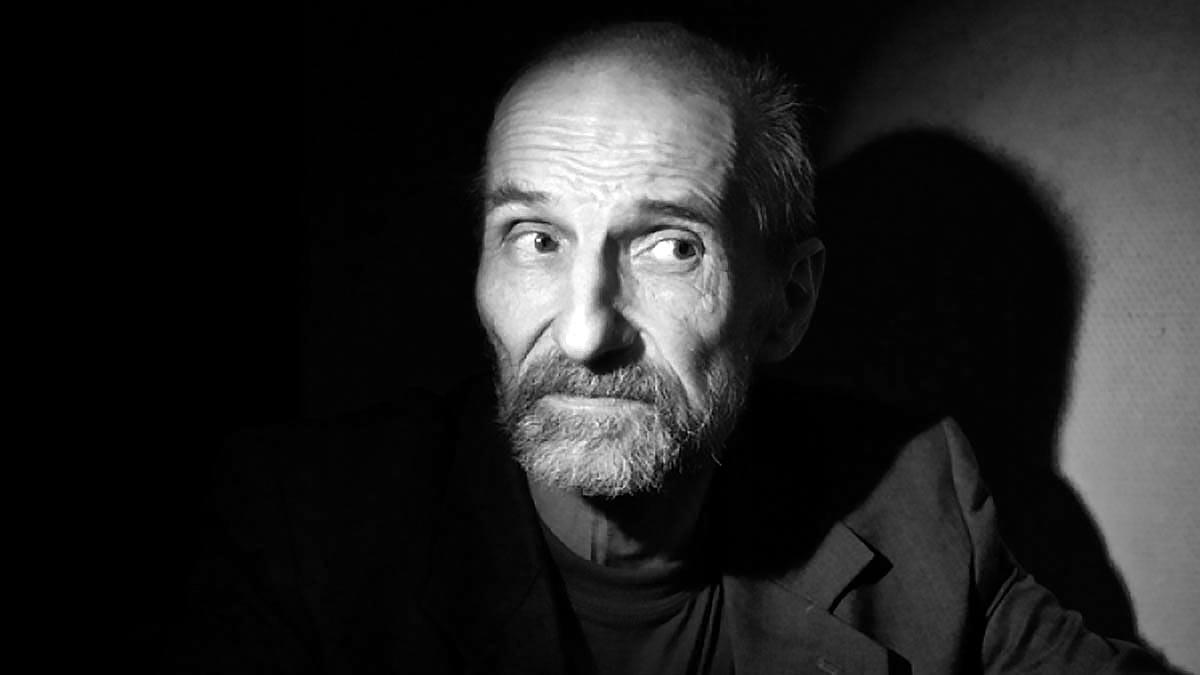 Основатель группы Звуки Му поэт и актер Петр Мамонов