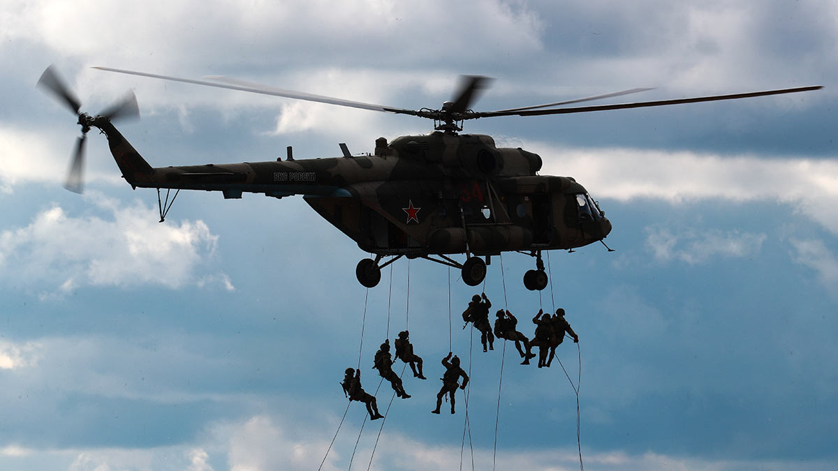 Динамический показ возможностей подразделений воздушно-десантных войск