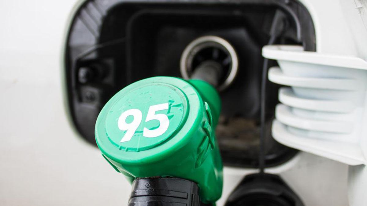 бензин АИ 95 заправка