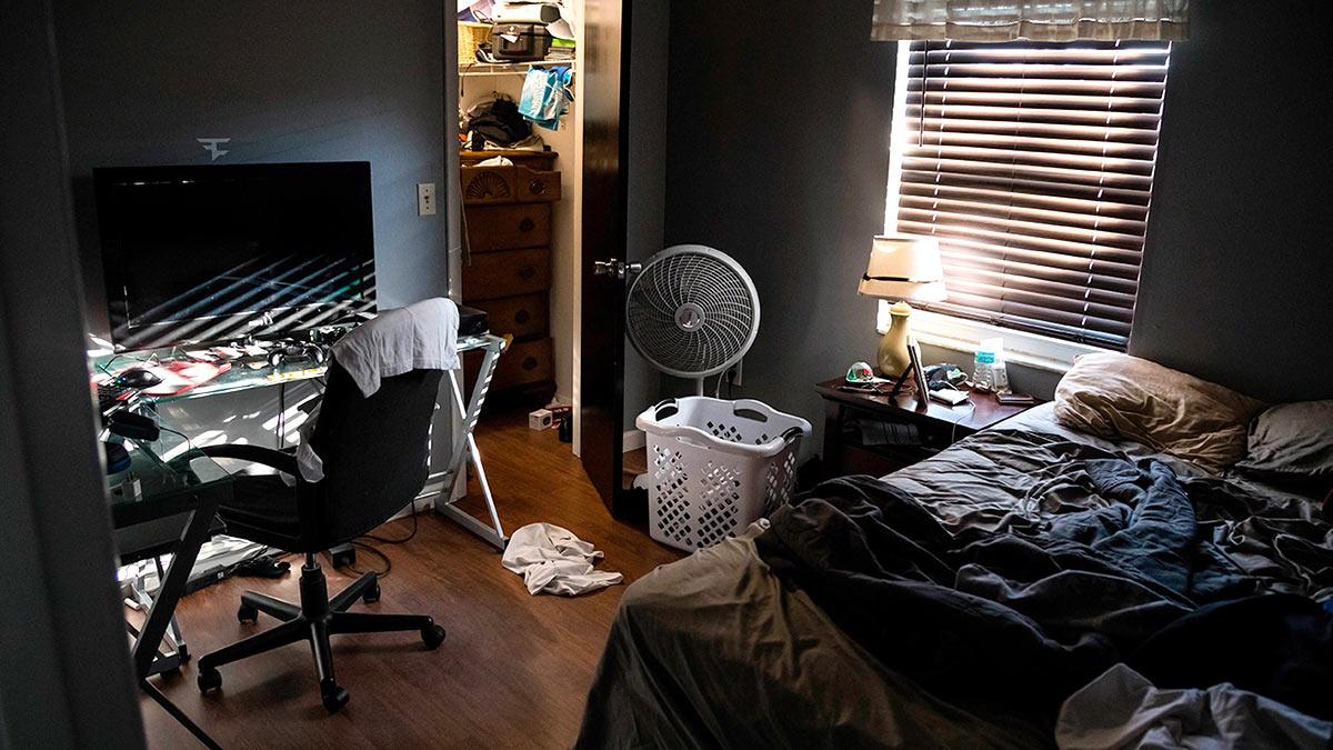 Маленькая комната беспорядок