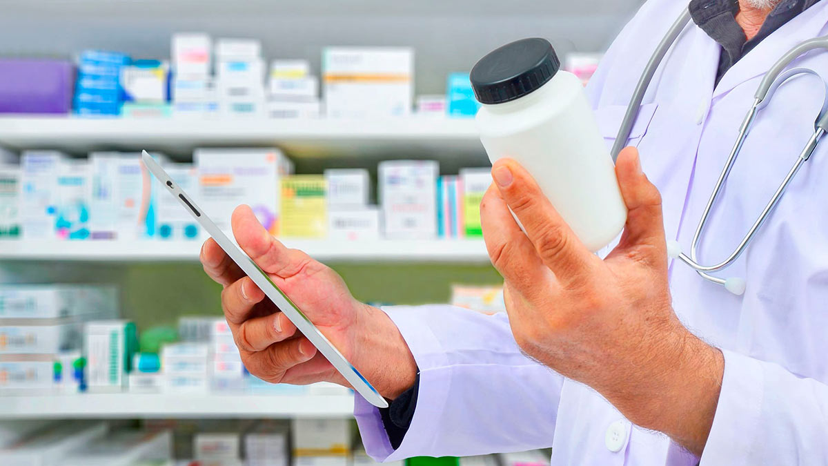 мужчина аптека