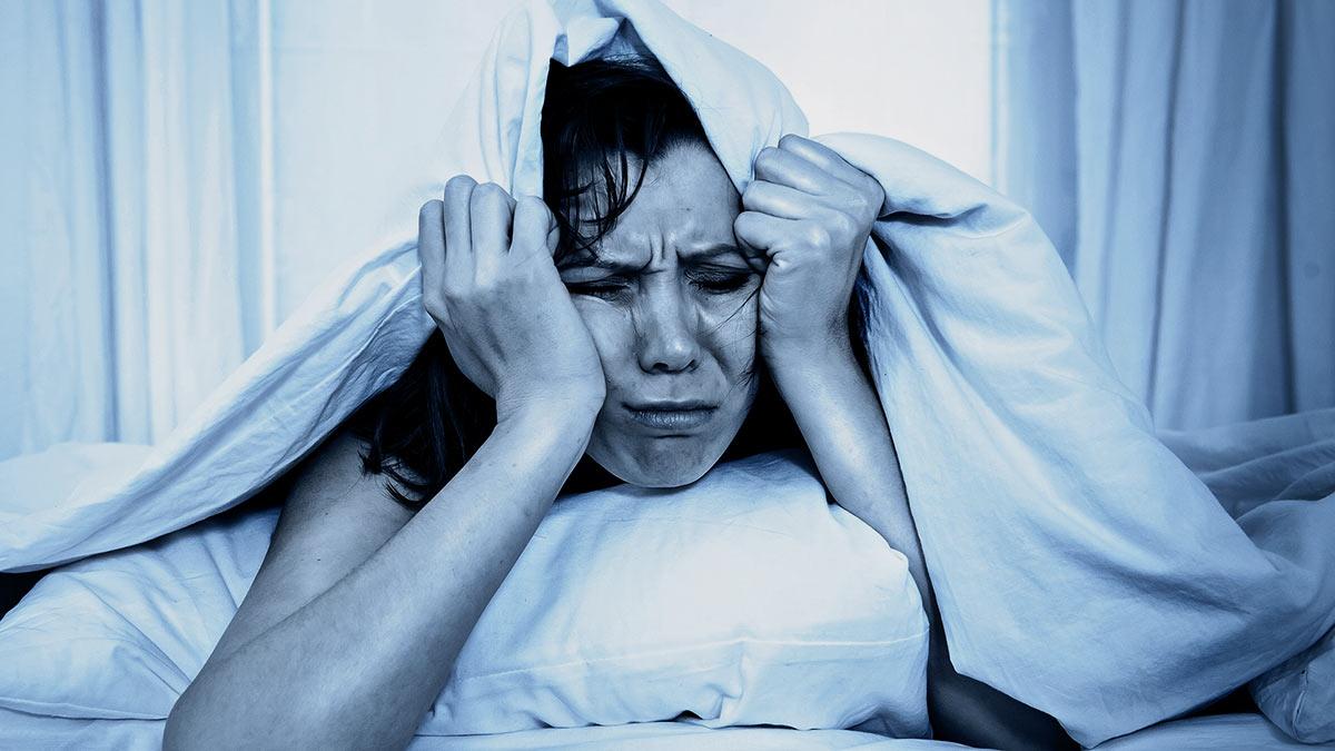 недосып бессонница женщина плохое состояние