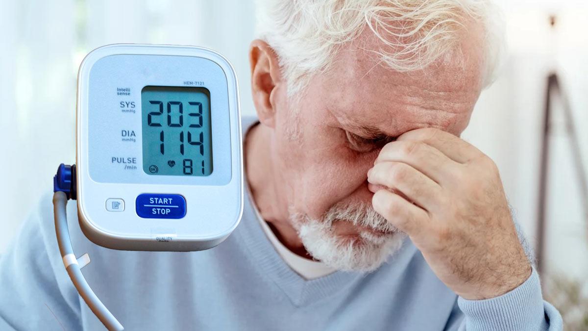 высокое давление пожилой человек
