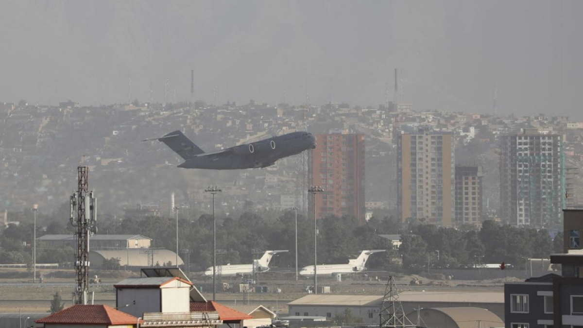 аэропорт Кабула самолёт