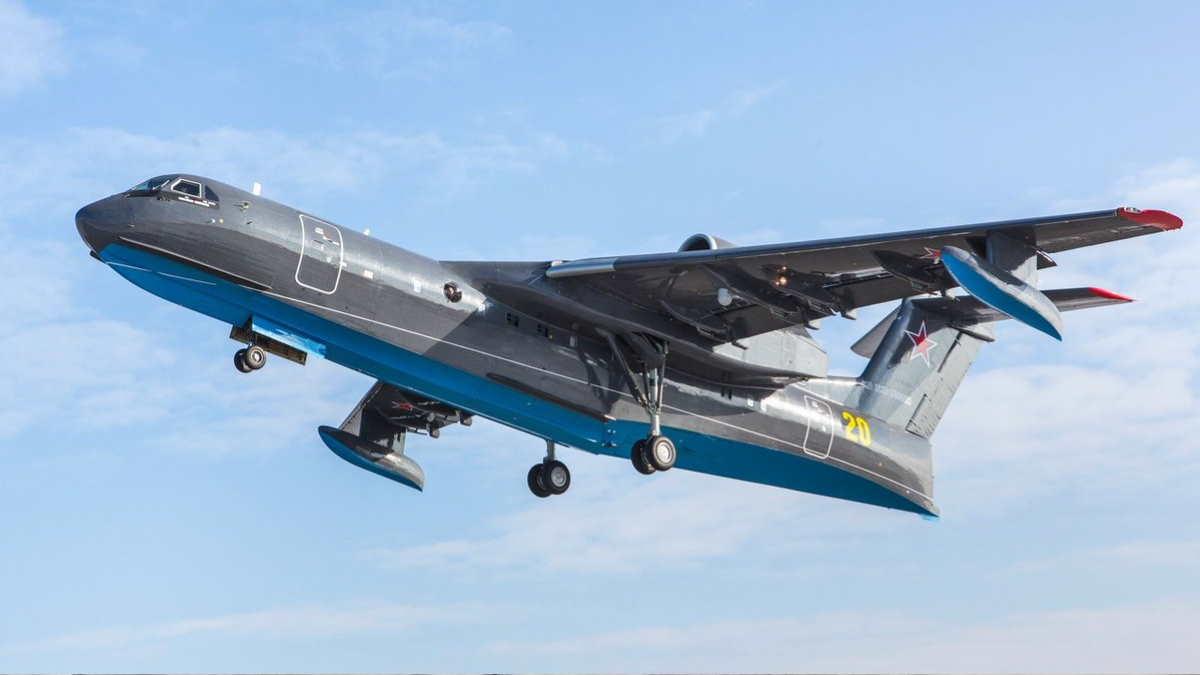Самолёт Бе-200