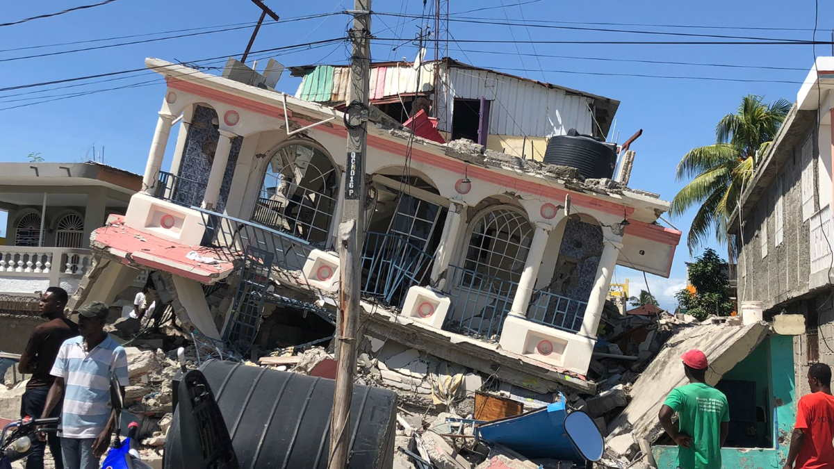 Гаити землетрясение