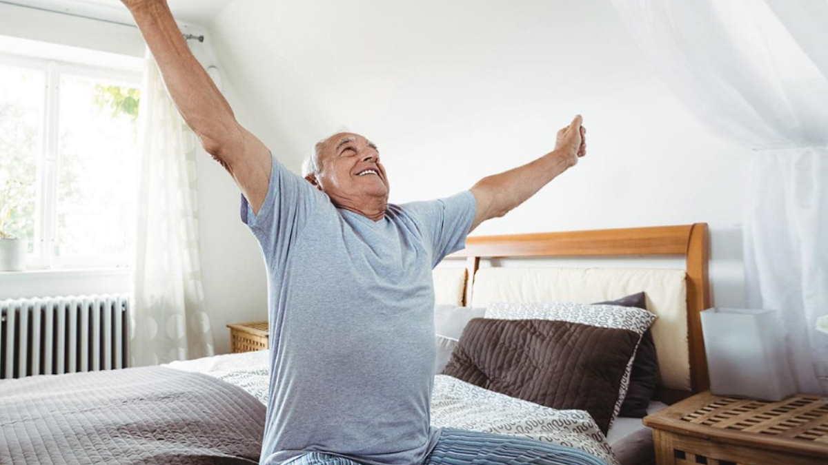 пожилой человек утро