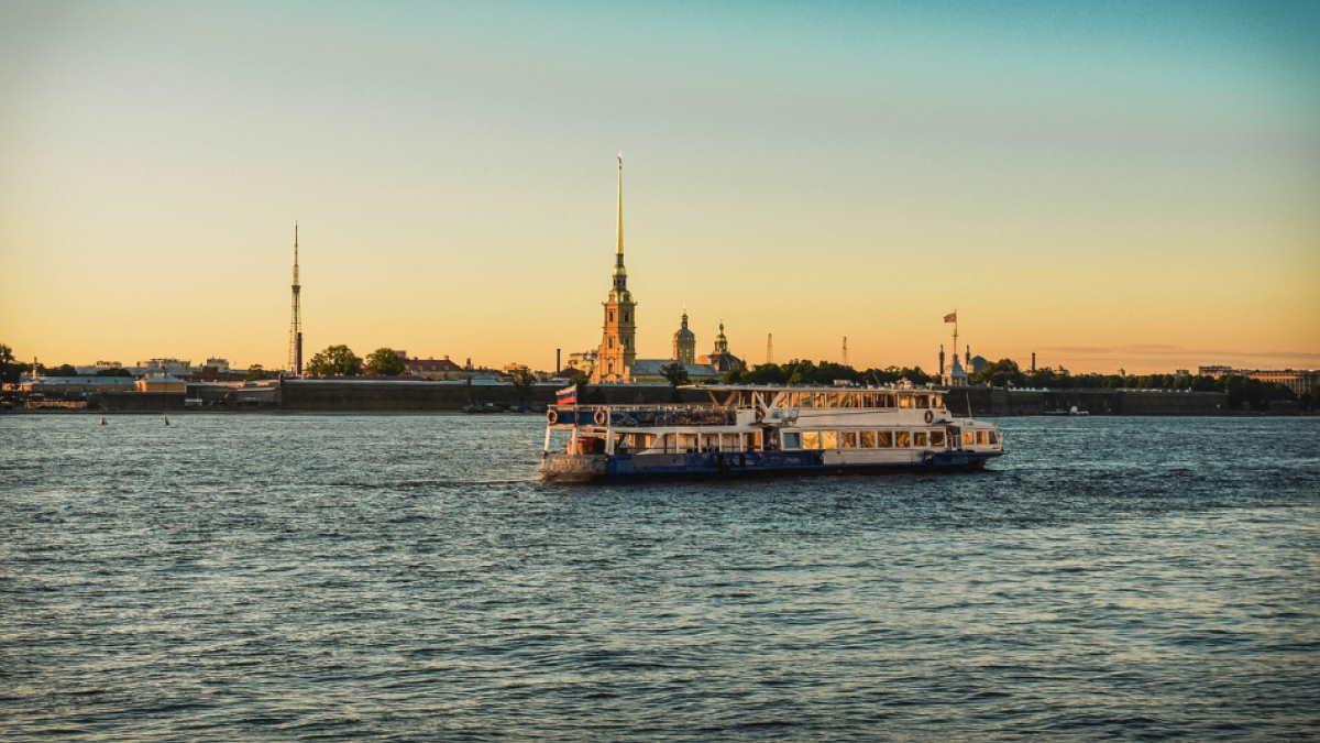 Санкт-Петербург теплоход