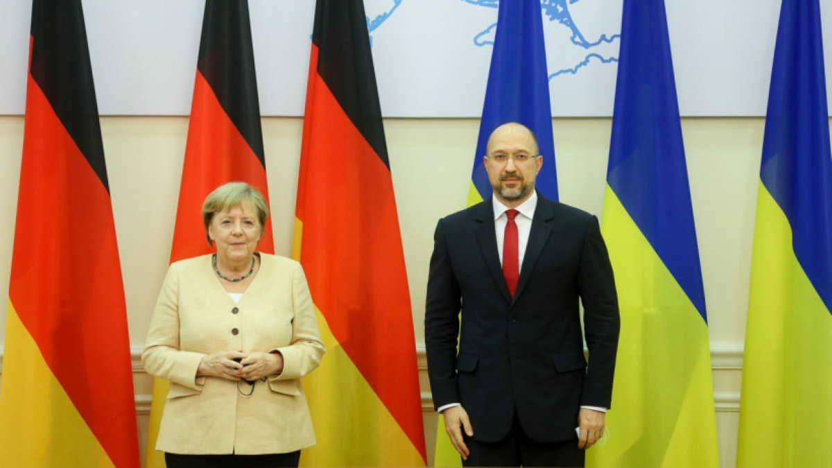 Ангела Меркель и Денис Шмыгаль