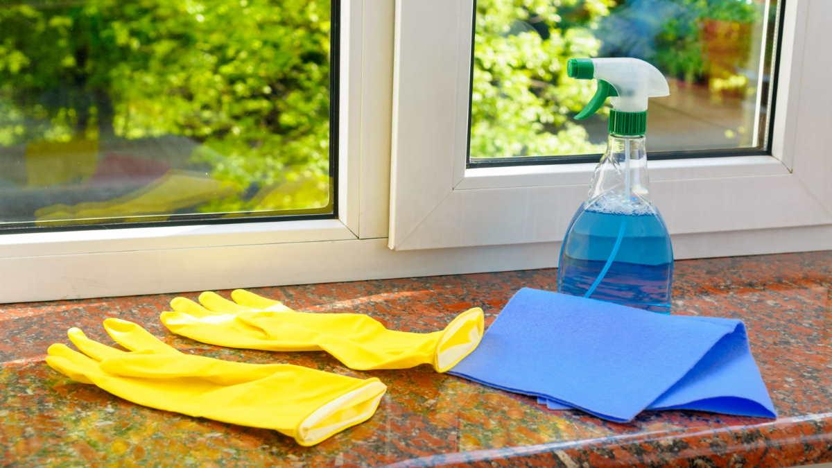 мыть пластиковые окна