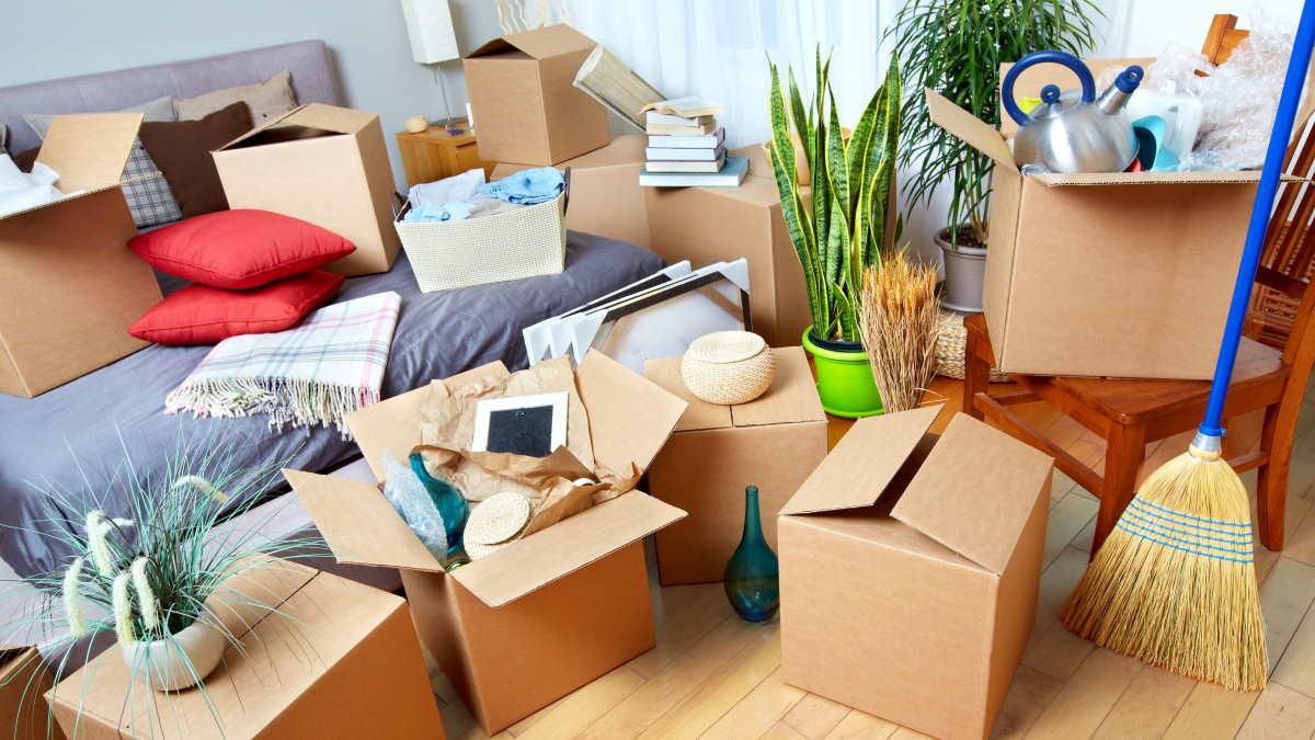 переезд коробки с вещами
