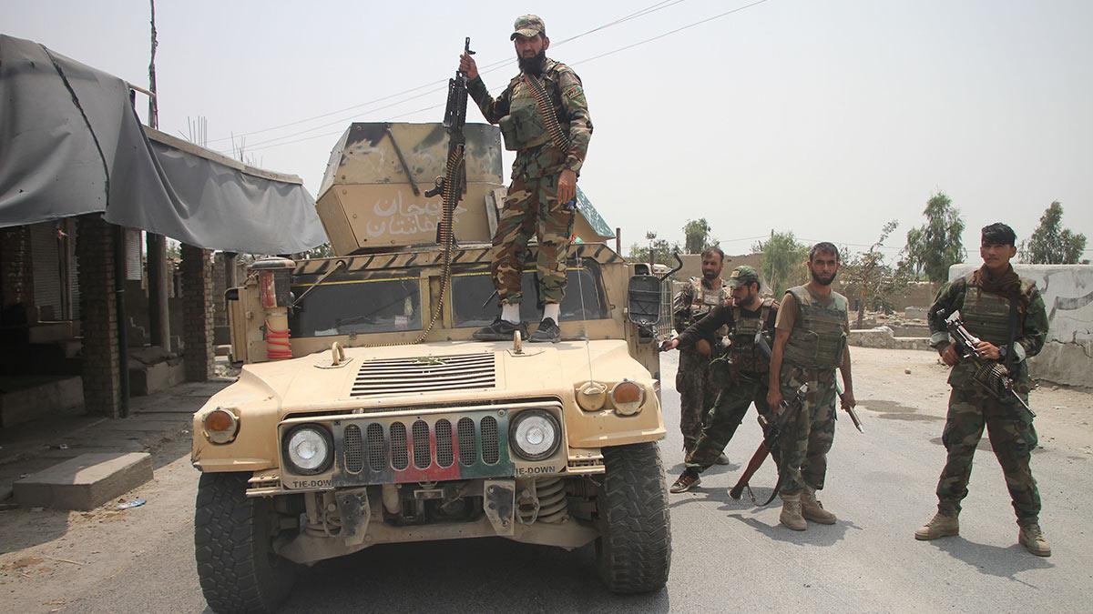 Афганистан машины люди автоматы