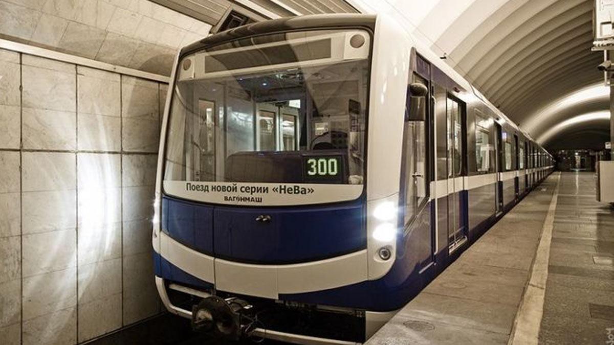 Поезд вагон метро