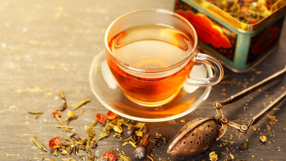 чашка чай на столе