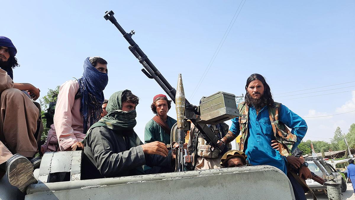 Афганистан талибы боевики оружие