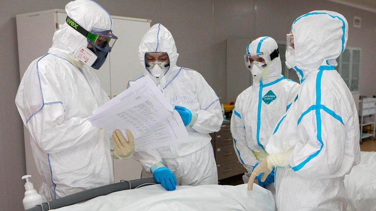 врачи бумаги коронавирус