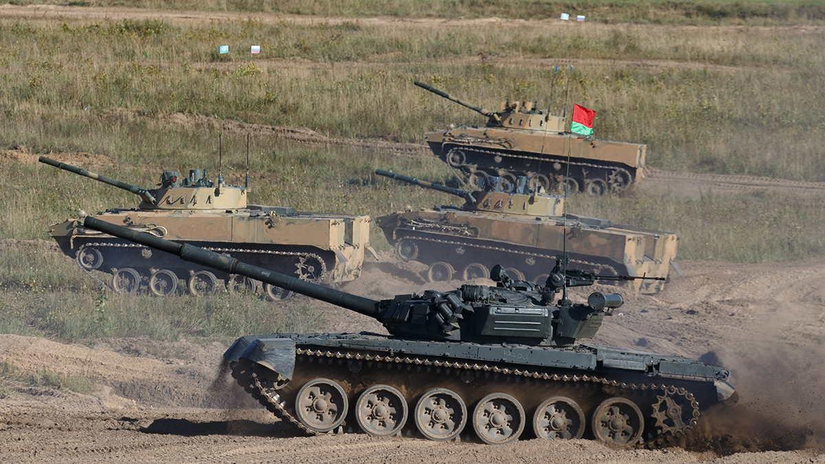 Танк Т-72Б и боевые машины десанта БМД-4М