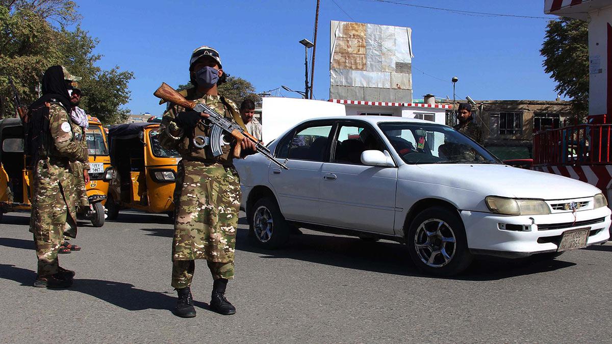 люди с оружием в Кабуле