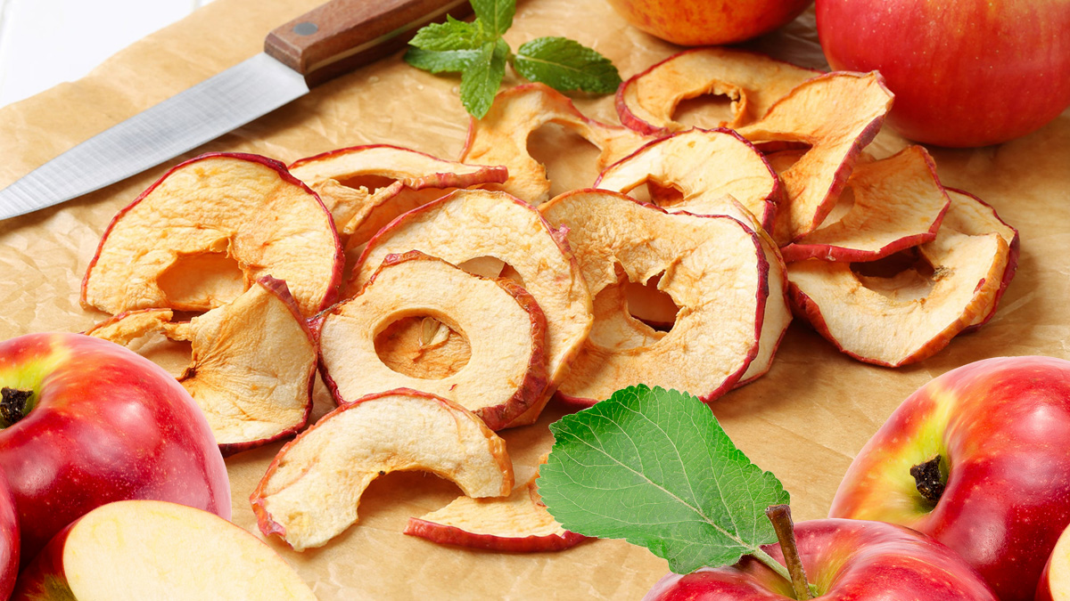 сушеные и свежие яблоки