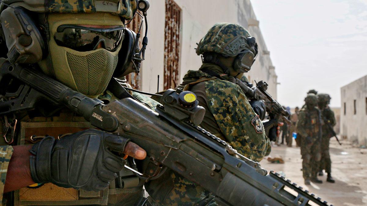 Гвинея военная форма