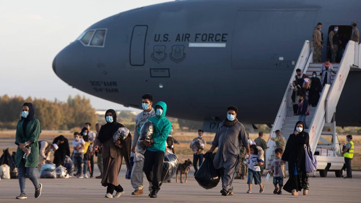 беженцы самолет США