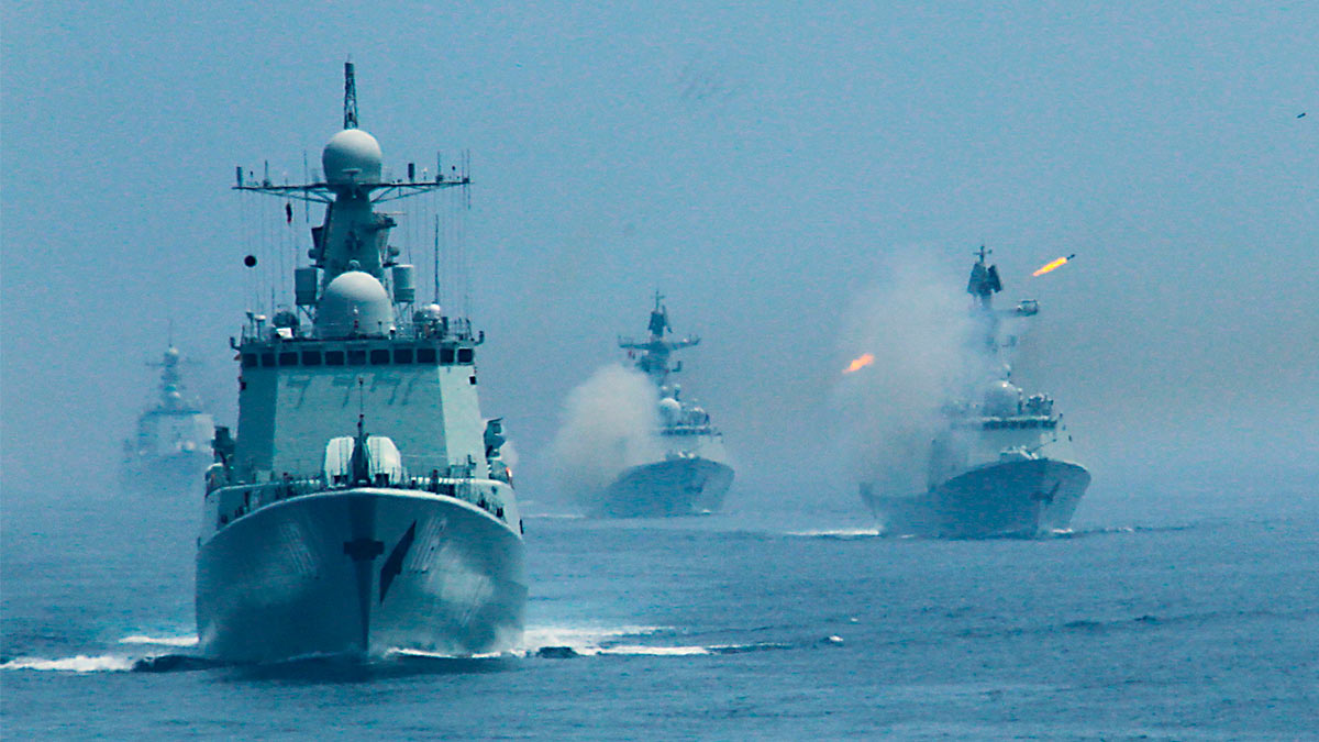 Китайский военный корабль выпустил противолодочную ракету