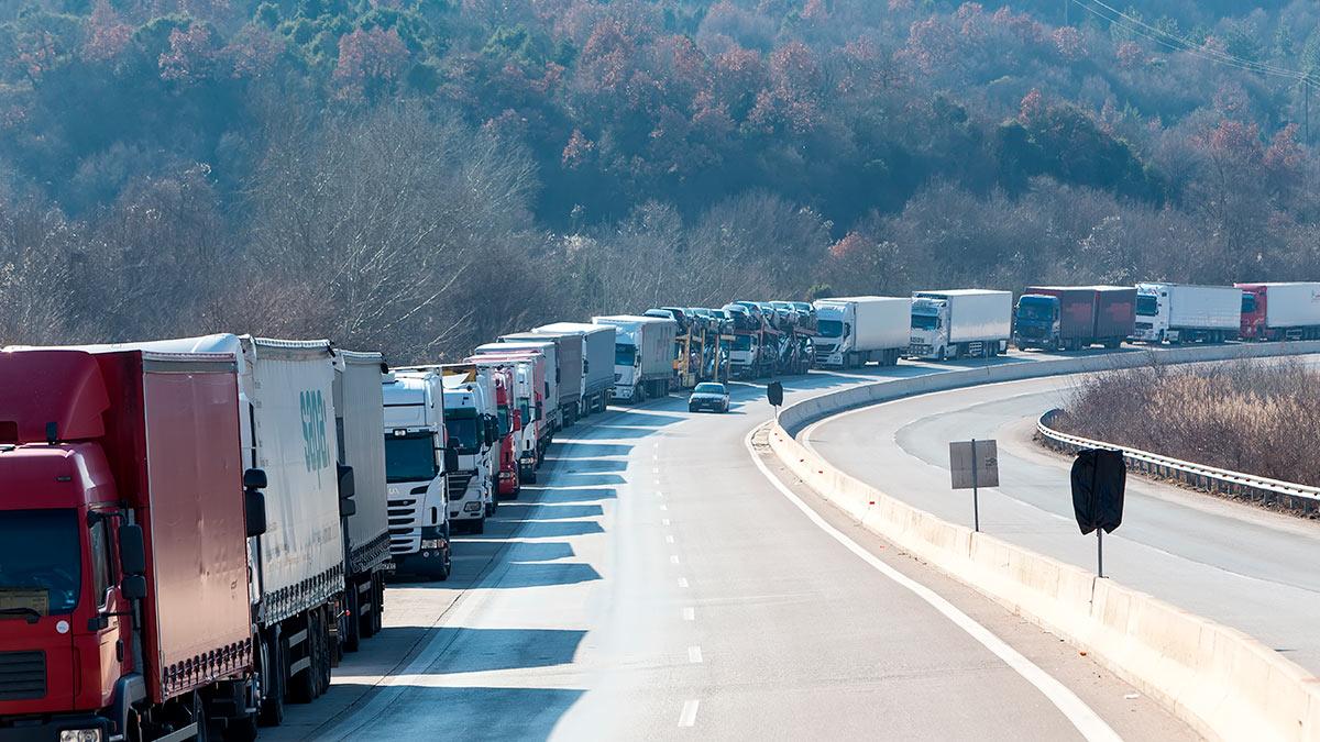очередь грузовики