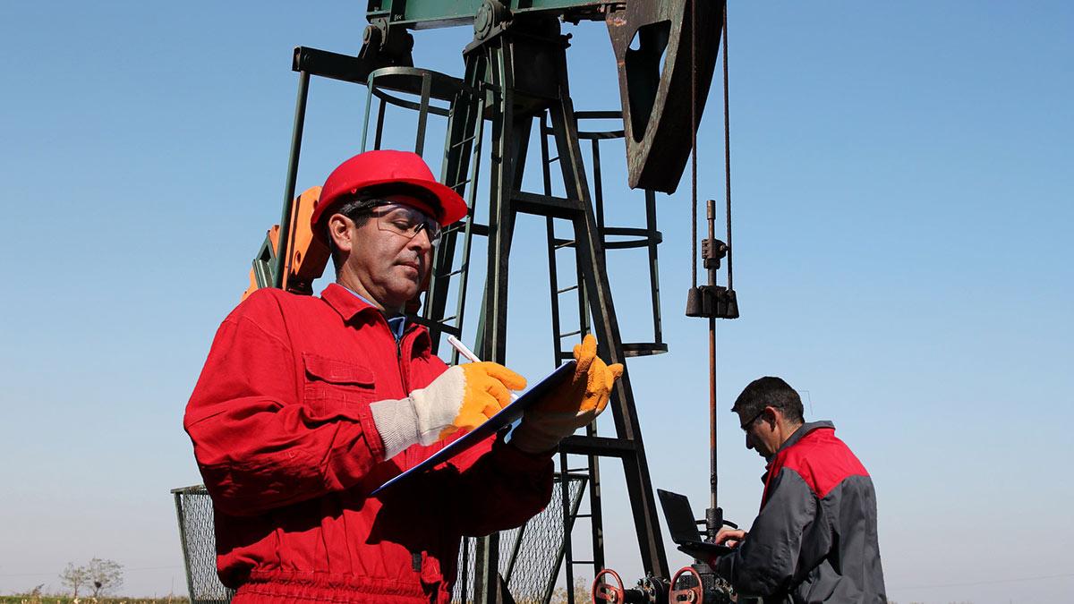 Инженеры нефтегазовой отрасли