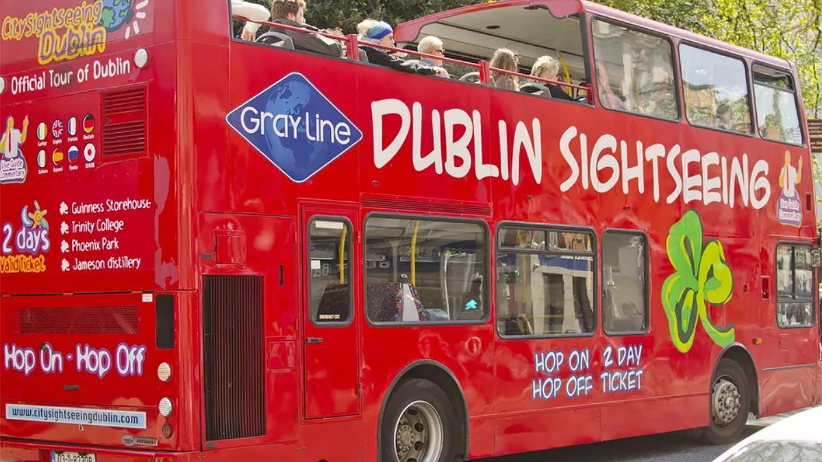 туристический автобус в Дублине