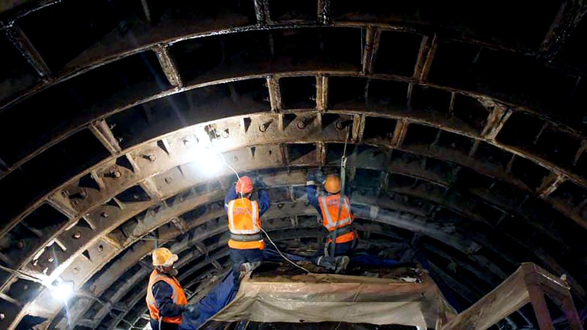метро рабочие тоннель